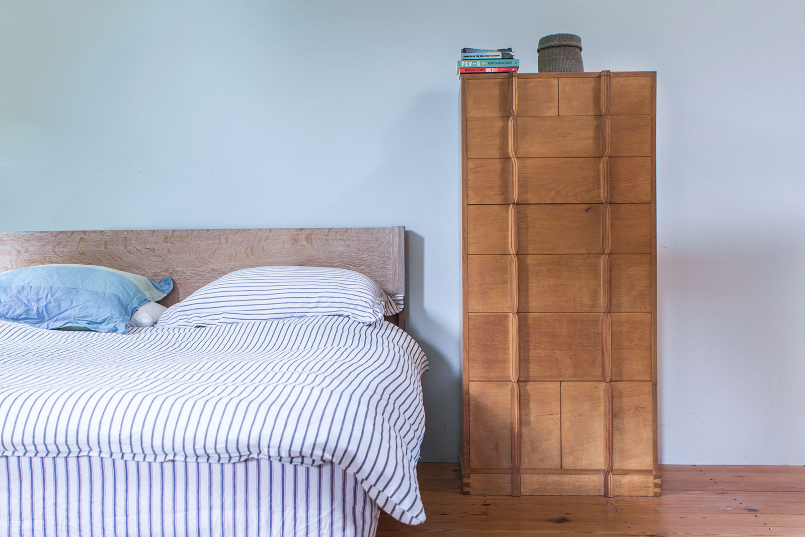 winby bed and chest of drawers